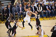 Golden State Warriors guard Stephen Curry (30) passes the ball against the LA Clippers at Oracle Arena in Oakland, Calif., on February 23, 2017. (Stan Olszewski/Special to S.F. Examiner)