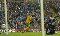 Photo: Glyn Thomas.<br />Birmingham City v Norwich. Carling Cup.<br />26/10/2005.<br />Norwich's Dean Ashton (L) scores his team's equaliser.
