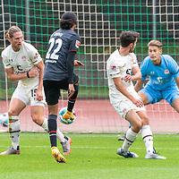 07.10.2020, wohninvest Weserstadion Platz 11, Bremen, GER, FSP SV WERDER BREMEN  vs 1. FC St. Pauli<br /> <br /> im Bild / picture shows <br /> <br /> 1:0 durch Tahith Chong (Werder Bremen #22)<br /> DANIEL BUBALLA19 (FC ST.PAULI #15)<br /> DENNIS SMARSCH (FC ST.PAULI #01)<br /> Querformat<br /> <br /> Foto © nordphoto / Kokenge