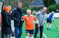 BLOEMENDAAL - Lustrum 125, Bloemendaal Heren 1, All Stars,  tegen Batavieren. Ad Boelaars met coaches Roelant Oltmans en Pieter Offerman, COPYRIGHT KOEN SUYK