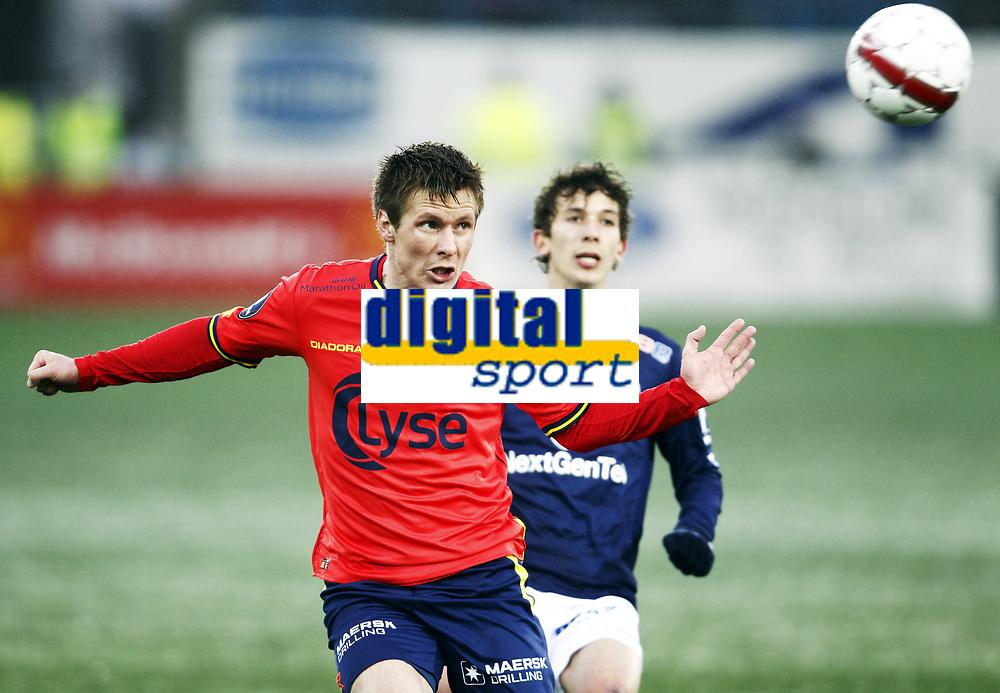 Fotball , 22. april  2012 , Tippeligaen , Eliteserien<br /> Strømsgodset - Viking <br /> <br /> Gustav Mendonca Wikheim ,SIF<br /> trond Erik Bertelsen, Viking