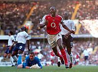 Fotball<br /> Premier Legaue England 2004<br /> 13.11.2004<br /> Foto: Colorsport/Digitalsport<br /> NORWAY ONLY<br /> <br /> Patrick Vieira (Arsenal) celebrates his goal (Arsenal's 3rd)  <br /> <br /> Tottenham Hotspur v Arsenal