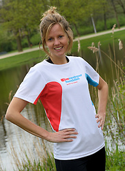 10-04-2014 NED: NY City Marathon training Vriendenloterij, Amsterdam<br /> In het Amsterdamse Vondelpark werden de eerste meters gelegd door de lopers van de vriendenloterij / Linda
