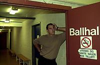 Basket, Basketligaen BLNO, Kongsberg-Ulriken 18. oktober 2000. Ulriken-trener David Swan ble sendt i garderoben av dommere før kampslutt.