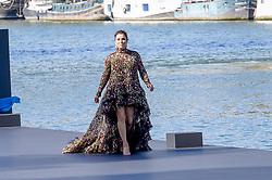 Eva Longoria attending the L Oreal Fashion Show in Paris, France on September 30, 2018. Photo by Julien Reynaud/APS-Medias/ABACAPRESS.COM
