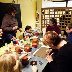 Atelier peinture a La Chaumiere, Maison d'enfants à caractere social. Vilcey-sur-Trey (54), France. 10 mars 2010. Photo : Antoine Doyen