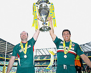 Picture by Andrew Tobin/Focus Images Ltd +44 7710 761829.25/05/2013. Geordan Murphy (L) and Anthony Allen (R) with the trophy during the Aviva Premiership match at Twickenham Stadium, Twickenham.