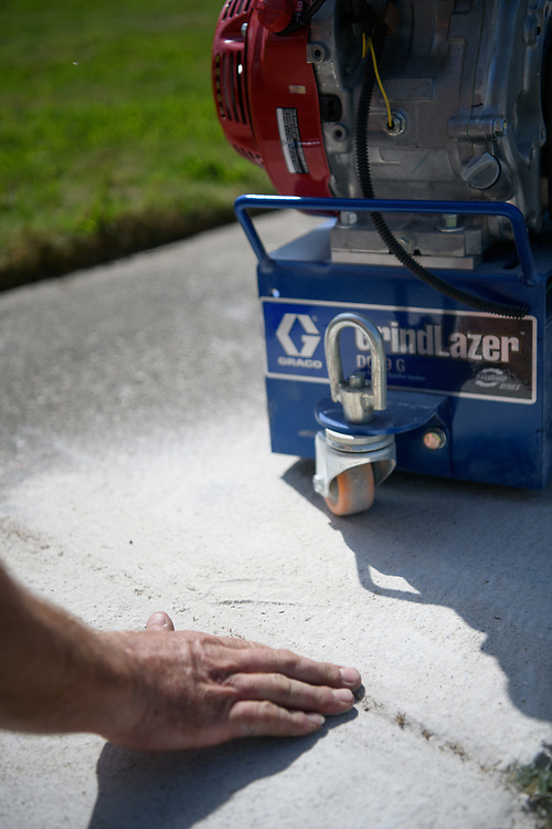 Image of the Graco GrindLazer paint removal machine.