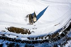 """THEMENBILD - Filialkirche St. Georg. Sturmtief """"Ulla"""" sorgt für Neuschnee und kalte Temperaturen. Kals am Großglockner, Österreich am Donnerstag, 8. April 2021 // Filial Church of St. George. Storm low """"Ulla"""" provides fresh snow and cold temperatures. Thursday, April 8, 2021 in Kals, Austria. EXPA Pictures © 2021, PhotoCredit: EXPA/ Johann Groder"""