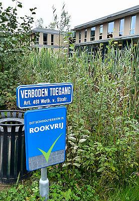 Nederland, Ubbergen, 26-9-2014Op de Havo Notre Dames des Anges mogen de leerlingen niet meer op het schoolterrein roken. FOTO: FLIP FRANSSEN/ HOLLANDSE HOOGTE