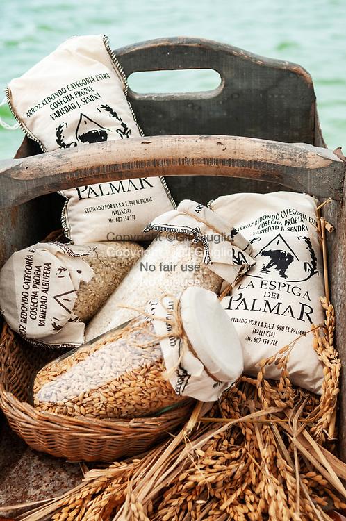 Espagne, Valence, région de la lagune et du lac du Parc naturel de l'Albufera, Jaumé Dasi producteur de riz local // Spain, Valencia, region of the laguna and lac of the Natural Park of Albufera, Jaumé Dasi loca productor of rice, MODEL RELEASE OK Ref