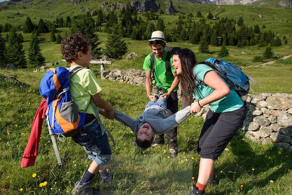 Unterwegs auf der Alp Flix an einem schönen Sommertag mit Bewoelkung, Parc Ela, Mittelbuenden, Schweiz<br /> <br /> Alp Flix on a nice Summer day with clouds, Parc Ela, Grisons, Switzerland