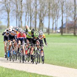 16-04-2016: Wielrennen: IJsseldelta Topcompetitie vrouwen: Zwolle<br />ZWOLLE (NED) wielrennen <br />Wind was in deze editie de grootste tegenstanders van de vrouwen.<br />Floortje Mackay mee in de kopgroep met in haar wiel Anna van der Breggen, Lucinda Brand,
