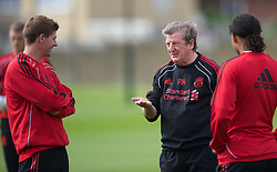18.08.2010, Melwood Trainingground, Liverpool, ENG, UEFA EL, Liverpool Fc Training, im Bild Liverpool's manager Roy Hodgson und Captain Steven Gerrard MBE, während des Trainings vor dem UEFA Europa League Play-Off Hinspiel gegen Trabzonspor A.S. , EXPA Pictures © 2010, PhotoCredit: EXPA/ Propaganda/ D. Rawcliffe *** ATTENTION *** UK OUT! / SPORTIDA PHOTO AGENCY