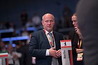 DEU, Deutschland, Germany, Leipzig, 22.11.2019: Kai Wegner, CDU-Landesvorsitzender in Berlin, beim Bundesparteitag der CDU in der Messe  Leipzig. Rechts seine Stellvertreterin Dr. Manja Schreiner (CDU).