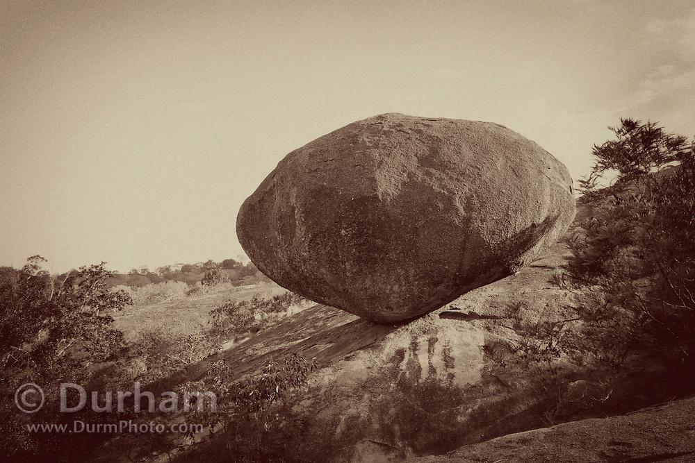 Granite dominates the landscape in Matobo National Park, part of the Motopos Hills area in Zimbabwe. The park is an U.N. UNESCO World Hertiage Site. © Michael Durham / www.DurmPhoto.com