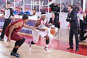 DESCRIZIONE : Teramo Lega A 2011-12 Banca Tercas Teramo Umana Venezia<br /> GIOCATORE : Dee Brown<br /> CATEGORIA : palleggio penetrazione<br /> SQUADRA : Banca Tercas Teramo<br /> EVENTO : Campionato Lega A 2011-2012<br /> GARA : Banca Tercas Teramo Umana Venezia<br /> DATA : 03/03/2012<br /> SPORT : Pallacanestro<br /> AUTORE : Agenzia Ciamillo-Castoria/C.De Massis<br /> Galleria : Lega Basket A 2011-2012<br /> Fotonotizia : Teramo Lega A 2011-12 Banca Tercas Teramo Umana Venezia<br /> Predefinita :