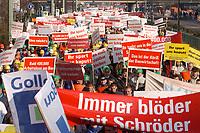 07 NOV 2002, BERLIN/GERMANY:<br /> Demonstraten mit Schildern, Demonstration gegen die Kuerzung der Eigenheimzulage, Karl-Liebknecht-Strasse<br /> IMAGE: 20021107-01-050<br /> KEYWORDS: Demo, Bau, Baugewerbe, Kürzung, Demostrant, demonstrator, Subventionen