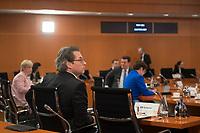 DEU, Deutschland, Germany, Berlin, 13.05.2020: Bundesverkehrsminister Andreas Scheuer (CSU) vor Beginn der 96. Kabinettsitzung im Bundeskanzleramt. Aufgrund der Coronakrise findet die Sitzung derzeit im Internationalen Konferenzsaal statt, damit genügend Abstand zwischen den Teilnehmern gewahrt werden kann.