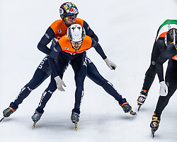 13-01-2019 NED: ISU European Short Track Championships 2019 day 3, Dordrecht<br /> Last round from gold to silver, Daan Breeuwsma #65 NED, Itzhak De Laat #27 NED (v)