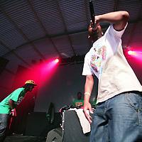 Nederland, Biddinghuizen , 22 augustus 2009..Live optreden van Hiphop formatie Zwart Licht (ontdekt door S.t.u.d.i.o.west...> is dé plek voor jongeren van 12 tot 23 jaar in Amsterdam West. Jongeren kunnen er ontdekken of ze talent hebben voor muziek, dans, theater of (nieuwe) media)  tijdens Lowlands festival.Live performance of Hipphop band Zwart Licht (Black Light)