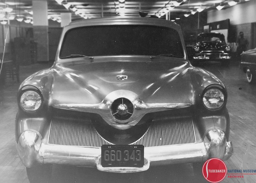 """Full size clay model for Studebaker's unbuilt Model """"N"""" models slated for 1952."""
