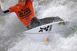 HUNTINGTON BEACH, California/USA (Sunday, July 31, 2011) Evan Geiselman rips a wave during heat1 round 8 the Hurley US Open of Surfing. Photo: Eduardo E. Silva.