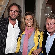 NLD/Naarden/20080401 - Het Arsenaal van jan des Bouvrie bestaat 15 jaar, Jan met Judith Wiersma en partner Herman Heinsbroek