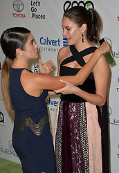 Shailene Woodley & Nikki Reed bei den Annual EMA Awards in Los Angeles / 221016<br /> <br /> *** 26th Annual EMA Awards in Los Angeles on October 22, 2016 ***