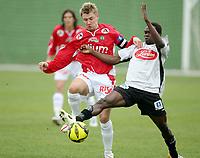 Fotball , 6. mars 2007 , La Manga , Bryne - Sogndal 2-1<br /> Kai Ove Stokkeland Bryne , og Kanu Lennox ,  Sogndal