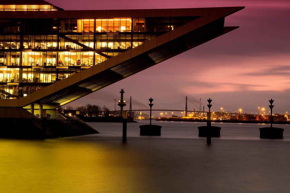 Moderne Architektur des Dockland