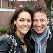 NLD/Edam/20080404 - Opening winkel Frank de Boer het Klooster in Edam, Armando Borsato en partner Vanessa van der Wal
