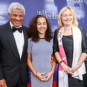 NLD/Amsterdam/20151011 - Inloop premiere De Tweeling, Minister Jet Bussemaker met partner Garth en dochter Sascha