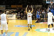 DESCRIZIONE : Caserta Lega A 2015-16 Pasta Reggia Caserta Betaland Capo d'Orlando<br /> GIOCATORE : Daniele Cinciarini<br /> CATEGORIA : esultanza<br /> SQUADRA : Pasta Reggia Caserta <br /> EVENTO : Campionato Lega A 2015-2016 <br /> GARA : Pasta Reggia Caserta Betaland Capo d'Orlando<br /> DATA : 08/11/2015<br /> SPORT : Pallacanestro <br /> AUTORE : Agenzia Ciamillo-Castoria/A. De Lise <br /> Galleria : Lega Basket A 2015-2016 <br /> Fotonotizia : Caserta Lega A 2015-16 Pasta Reggia Caserta Betaland Capo d'Orlando
