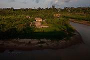 Aldeia Nova Esperanca_AC, 25 de Outubro de 2011<br /> <br /> ALDEIA YAWANAWA<br /> <br /> Fotos do X Festival Yawa na terra indegena do alto rio gregorio,aldeia nova esperanca.<br /> <br /> FOTO: MARCUS DESIMONI / NITRO