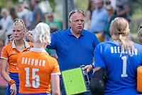AMSTELVEEN -  coach Jeroen Visser (Bldaal)   tijdens de oefenwedstrijd tussen de dames van Bloemendaal en Pinoke   ter voorbereiding van het hoofdklasse hockeyseizoen 2020-2021.  COPYRIGHT KOEN SUYK