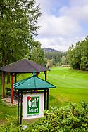 21-09-2015: Golf Resort Karlovy Vary in Karlovy Vary (Karlsbad), Tsjechië.<br /> Foto: Prachtige park- en bosbaan