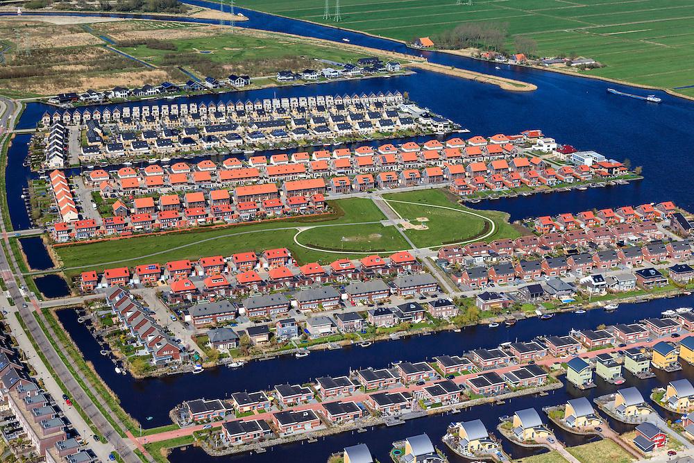 Nederland, Friesland, Leeuwarden, 01-05-2013; Polder het Lang Deel, de wijk Zuiderburen. Vinexlocatie.<br /> The newly constructed residential area Zuiderburen (Southern neighbours) in Leeuwarden, Friesland, North Netherlands.<br /> luchtfoto (toeslag op standard tarieven);<br /> aerial photo (additional fee required);<br /> copyright foto/photo Siebe Swart