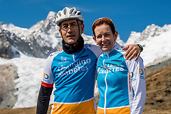 15-09-2017 ITA: BvdGF Tour du Mont Blanc day 6, Courmayeur <br /> We starten met een dalende tendens waarbij veel uitdagende paden worden verreden. Om op het dak van deze Tour te komen, de Grand Col Ferret 2537 m., staat ons een pittige klim (lopend) te wachten. Na een welverdiende afdaling bereiken we het Italiaanse bergstadje Courmayeur. Elias en Marion