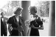 Princess of Wales and Julia Peyton-Jones. Vanity Fair Serpentine Gala dinner. June 1994. © Copyright Photograph by Dafydd Jones 66 Stockwell Park Rd. London SW9 0DA Tel 020 7733 0108 www.dafjones.com