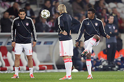 23.10.2012, Grand Stade Lille Metropole, Lille, OSC Lille vs FC Bayern Muenchen, im Bild David ALABA (FC Bayern Muenchen - 27) - Claudio PIZARRO (FC Bayern Muenchen - 14) - Anatoliy TYMOSHCHUK (FC Bayern Muenchen - 44) // during UEFA Championsleague Match between Lille OSC and FC Bayern Munich at the Grand Stade Lille Metropole, Lille, France on 2012/10/23. EXPA Pictures © 2012, PhotoCredit: EXPA/ Eibner/ Gerry Schmit..***** ATTENTION - OUT OF GER *****