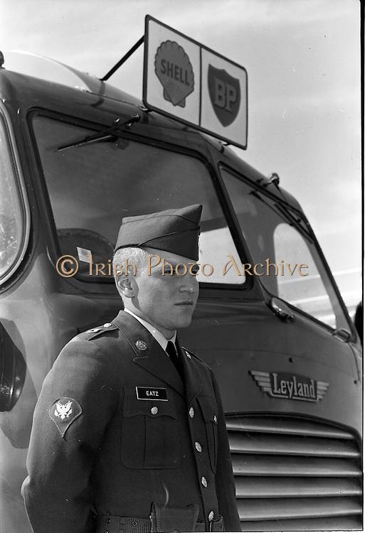 26/06/1963<br /> 06/26/1963<br /> 26 June 1963<br /> Irish Shell and BP fuel tankers for the helicopters of President John F. kennedy under guard at Dublin Airport. Soldiers name is Eatz.