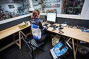 Karen van De Fietskoerier Utrecht is bezig met de administratie.<br /> <br /> Karen of De Fietskoerier Utrecht is working on the administration.