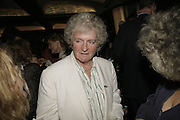 MAGGI HAMBLING, The John Betjeman Variety Show, sponsored by Shell, in aid of Sane. In the Presnece of the Prince of Wales and the Duchess of Cornwall. Prince of Wales theatre. London. 10 September 2006. ONE TIME USE ONLY - DO NOT ARCHIVE  © Copyright Photograph by Dafydd Jones 66 Stockwell Park Rd. London SW9 0DA Tel 020 7733 0108 www.dafjones.com