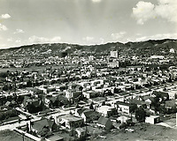 1930s Looking NW from Ravenswood Apartments on Rossmore Ave.