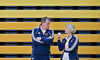 AMSTERDAM - Bondscoach Paul Mennink en manager Lisette van der Wind . Demonstratiewedstrijd van het Nederlands E-hockey team. COPYRIGHT KOEN SUYK