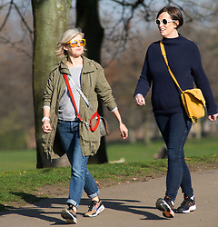 © Licensed to London News Pictures. 27/02/2019. Greenwich,People out and about in Greenwich Park,Greenwich this afternoon enjoying the February mini winter heatwave as the unseasonably warm weather continues. Photo credit: Grant Falvey/LNP