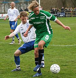 FODBOLD: Christian Pind (Helsingør) og Martin Broed (Ridhøj) under kampen i Kvalifikationsrækken, pulje 1, mellem Rishøj Boldklub og Elite 3000 Helsingør den 9. april 2007 på Rishøj Stadion. Foto: Claus Birch