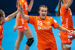 Merel Freriks of Netherlands in action during the Women's EHF Euro 2020 match between Netherlands and Serbia at Sydbank Arena on december 05, 2020 in Kolding, Denmark (Photo by RHF Agency/Ronald Hoogendoorn)