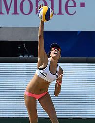 18-07-2014 NED: FIVB Grand Slam Beach Volleybal, Scheveningen<br /> Knock out fase - Taliqua Clancy (1) AUS